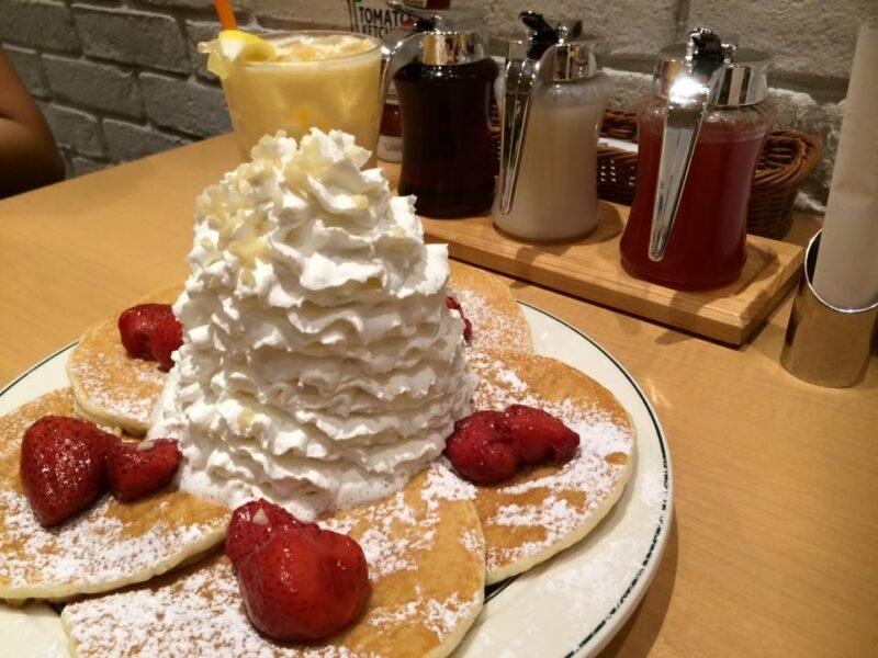 大阪心斎橋『エッグスンシングス』クリームてんこ盛りパンケーキ!