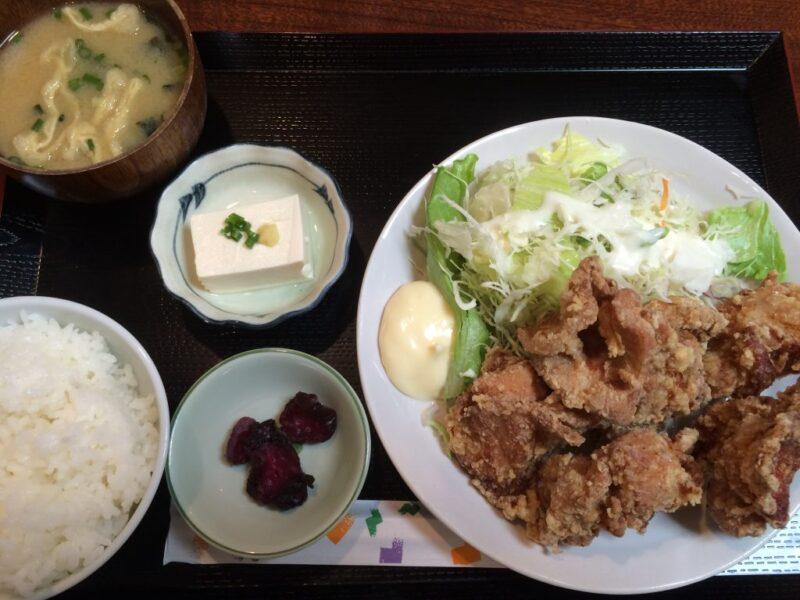 岡山定食屋ランキングベスト3『とも』鶏の唐揚げ定食でご飯食べ放題!