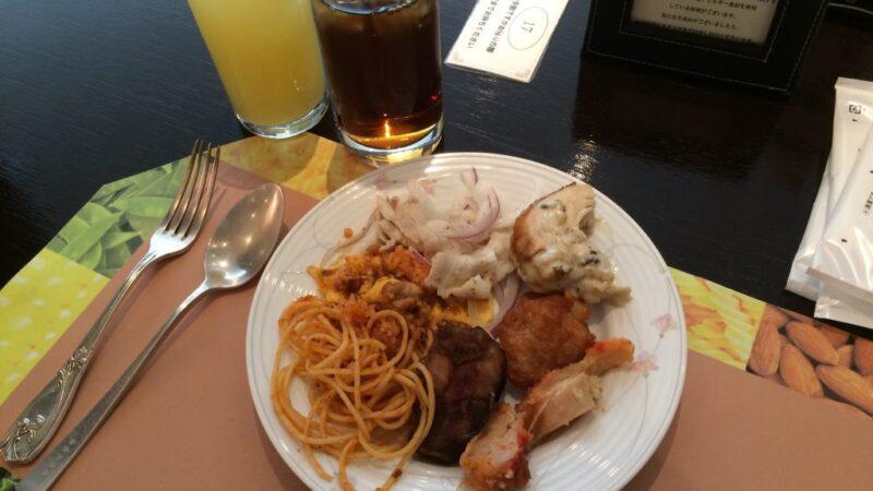 岡山リーセントカルチャーホテルのランチバイキングで食べ放題!①