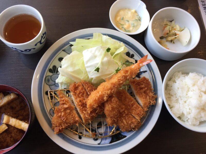『とんかつ浜勝』はご飯、みそ汁、キャベツ、漬け物がおかわり自由②