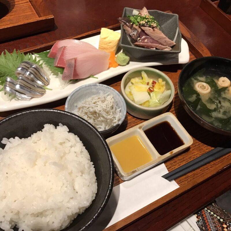 イオン岡山『芋蔵』昼はチキン南蛮定食ランチで夜は居酒屋で飲み放題!