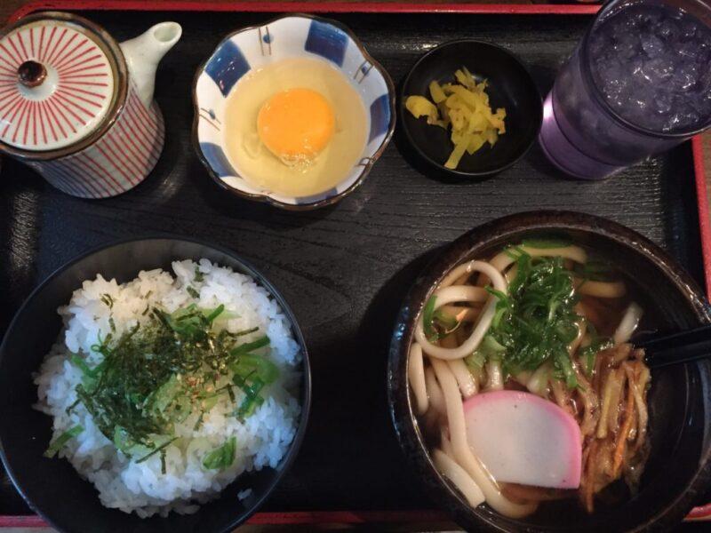 大阪『めん処なにわ家曾根崎本店』モーニングうどんと卵かけご飯定食!