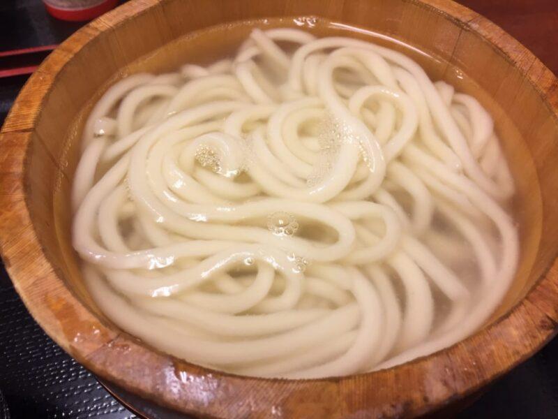 丸亀製麺に似ている『さかいで麺業』であえて釜揚げうどんを食べる!