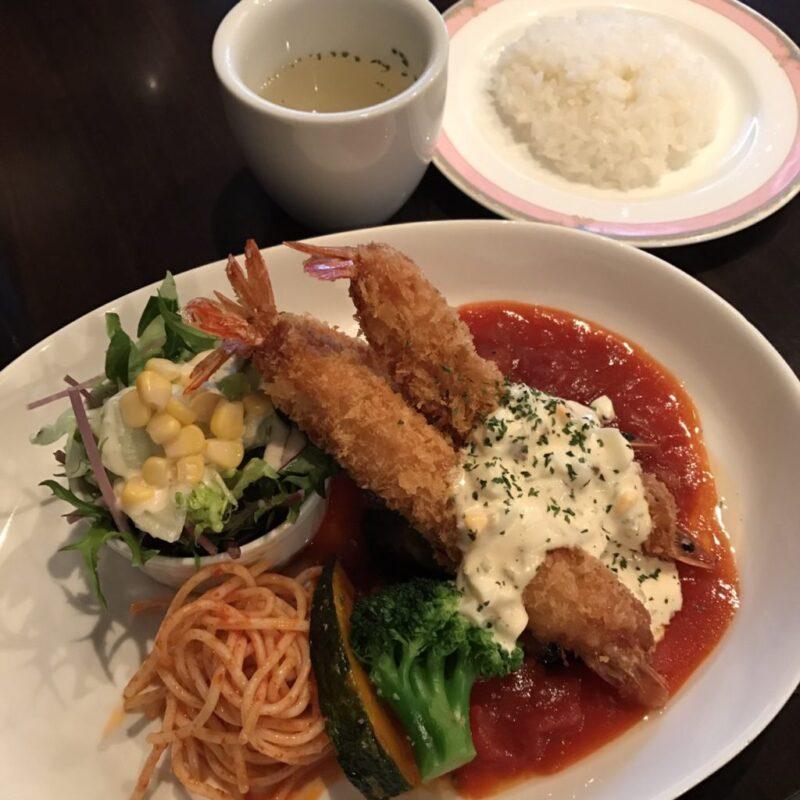 岡山総社洋食屋『キッチンネコマチ』トンカツが乗ったボルガライスランチ!