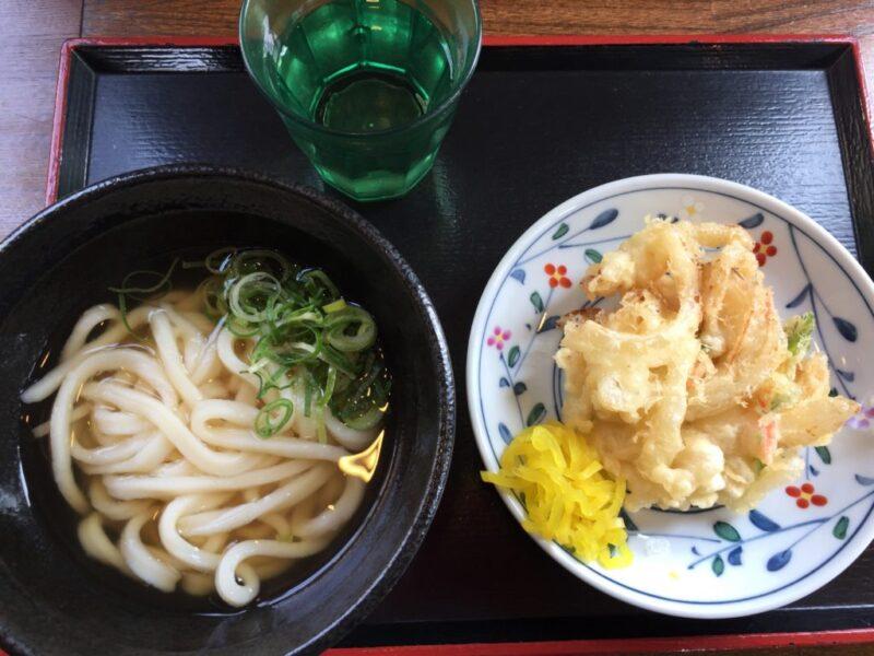 岡山今『かめや』お洒落カフェ風うどん屋でぶっかけと親子丼ランチ!