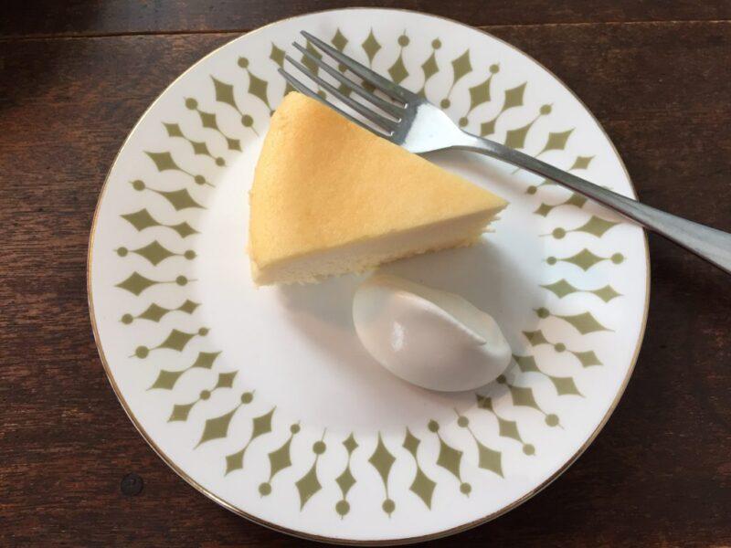 倉敷新田カフェ『HARUNI(ハルニ)』自家製チーズケーキとコーヒー!