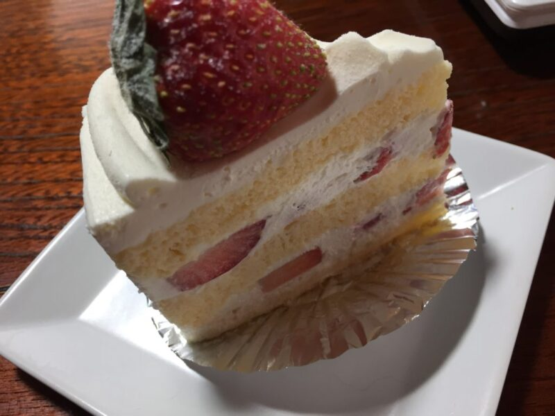 総社農マル園芸『ケーキ工房』苺ショートにいちご大福でイチゴ尽くし!