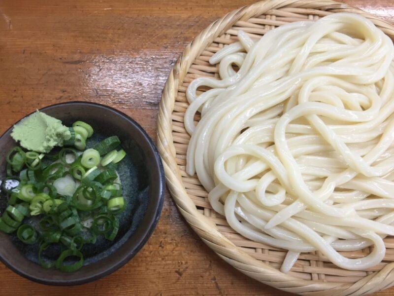 倉敷白楽町『栄楽』甘~いお出汁のざるうどんとスペシャル肉卵とじうどん!