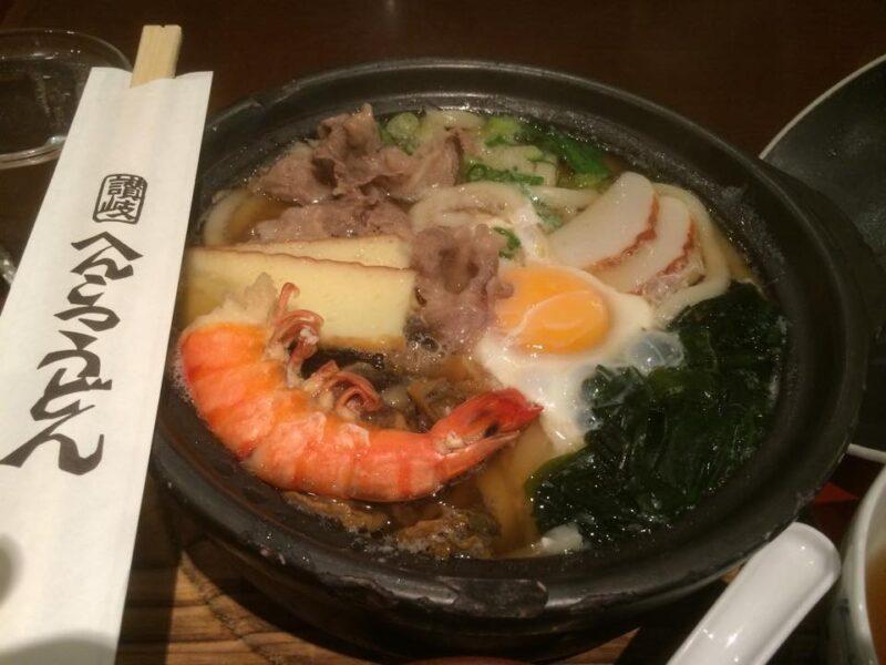 倉敷真備『へんこつうどん』肉や海老の具だくさん鍋焼きうどんとカツ丼!