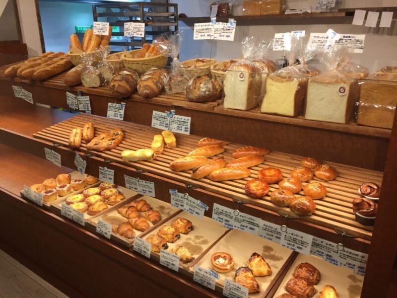 岡山表町『エスプリ・ド・コロンバージュ』ランチにパンと豪華フレンチ!