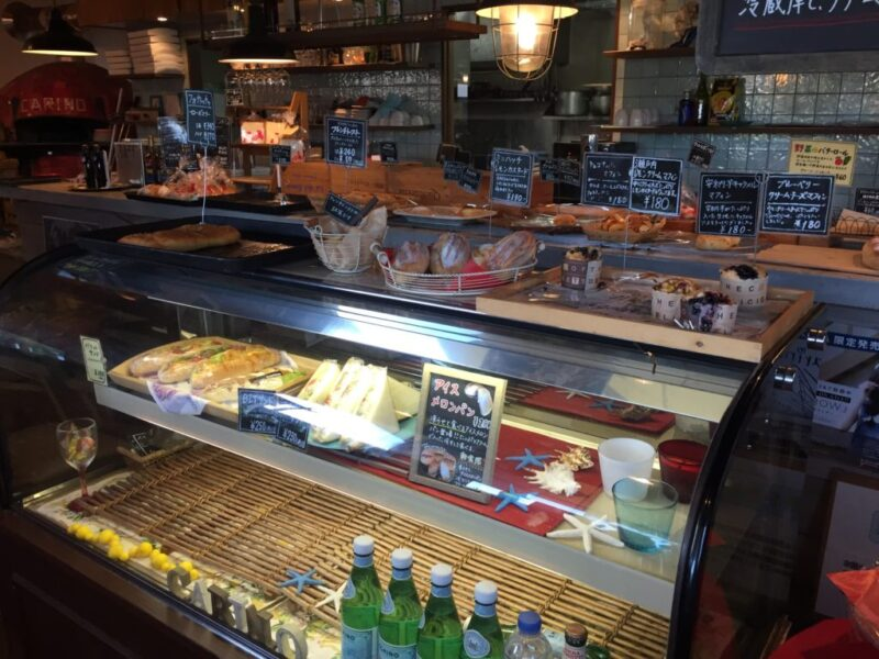 倉敷新田パン屋『フォルノ ダ カリーノ』石窯焼きの本格ローマピザでランチ!
