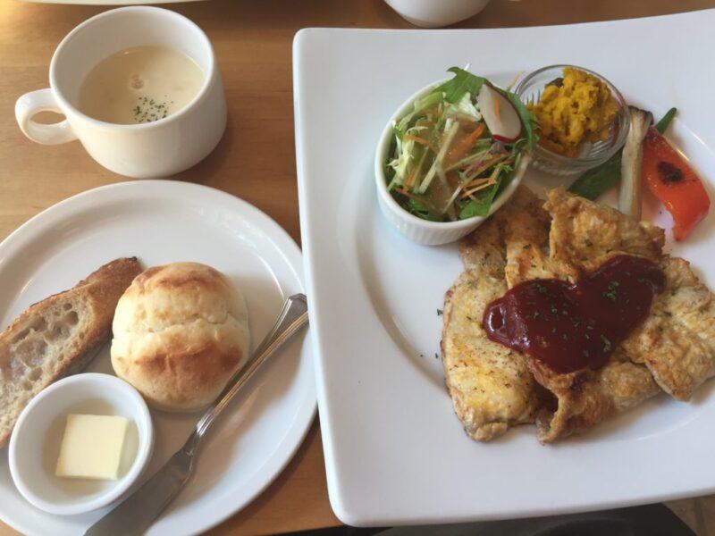 岡山中山下『スープカフェカシュカシュ』週替わりランチとコーンスープ!
