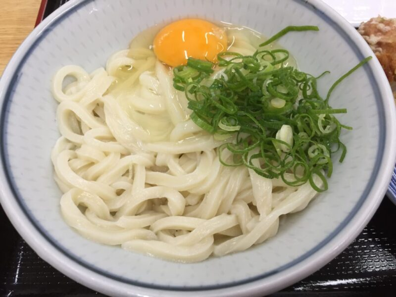 香川高松『一福(いっぷく)まちなか店』なかむら系細麺の釜玉うどん!