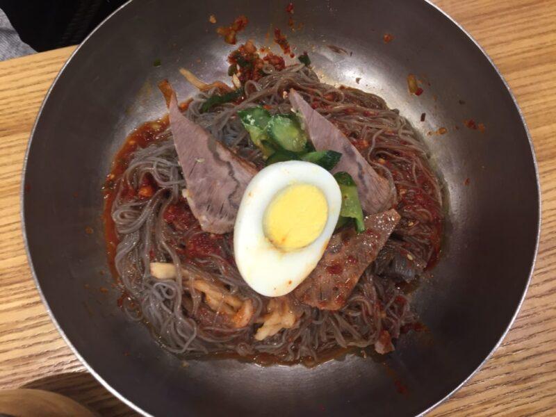 韓国ソウル『五壮洞咸興冷麺(オジャンドンハムンネンミョン)』ピリ辛混ぜ冷麺と水冷麺!