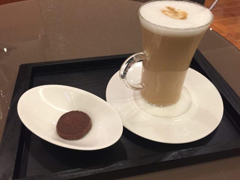 阪急うめだ『ブルガリイルカフェ (BVLGARI IL CAFE)』お茶とチョコレート!
