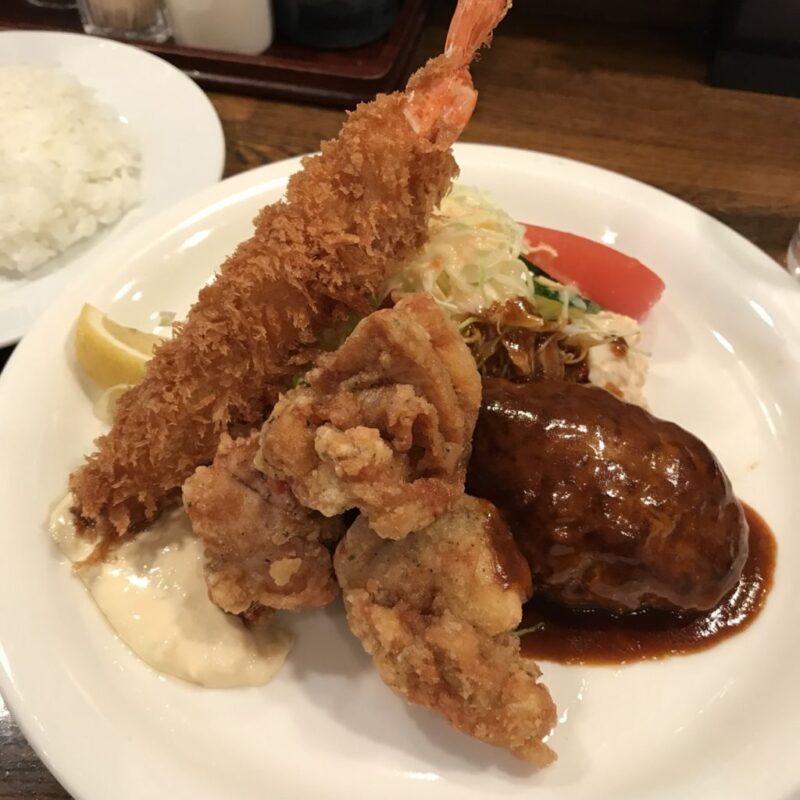 大阪梅田の洋食屋『ぶどう亭』大行列のハンバーグ&エビフライランチ!