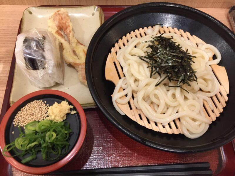 岡山大学病院『セルフうどん鶴久』ちくわ天ざるうどんと80円おにぎり!
