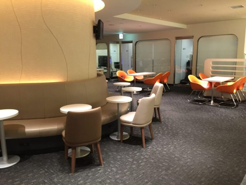 関西空港『KIXエアポートラウンジ』24時間営業のマンガ喫茶で仮眠!