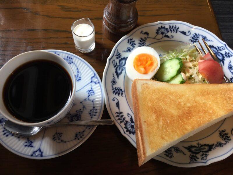 岡山の老舗喫茶店『ホンキートンク』朝食モーニングトーストとコーヒー!