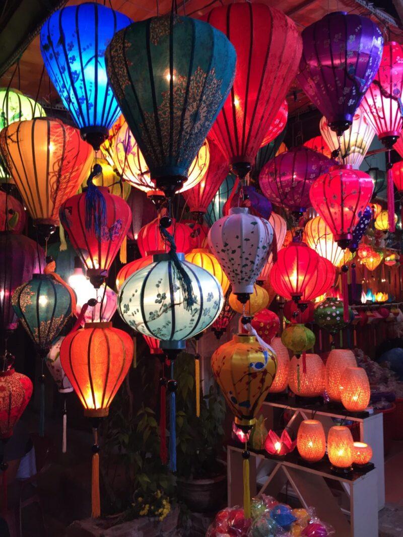 ベトナムの古都『ホイアン』月1回の幻想的なランタン祭りを観光しよう!