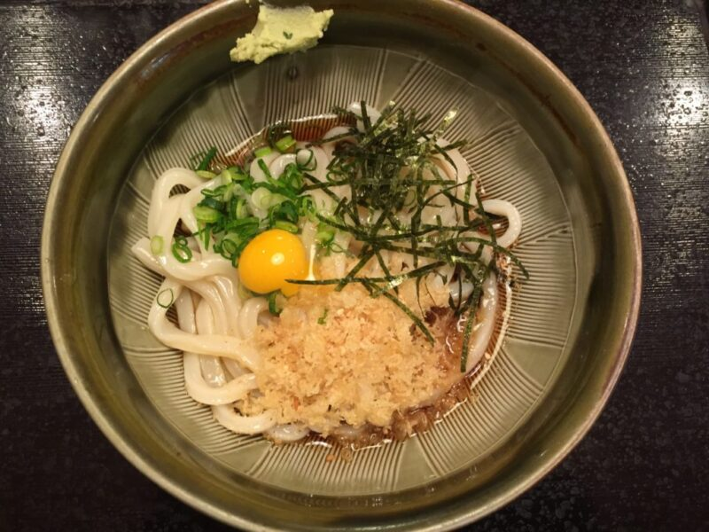 岡山田町『うどん亭さいとう』ふるいちじゃないぶっかけうどんと天ぷら!