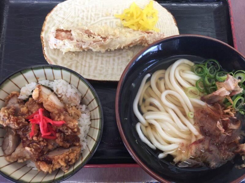 岡山郡『セルフうどん小麦や』かけうどんと鶏めしのお得なランチ定食!