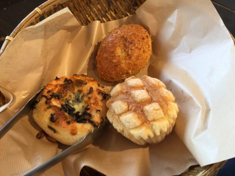 岡山中仙道パン屋『ベーカリーTERUO(テルオ)』カフェで牛肉カレーパン!