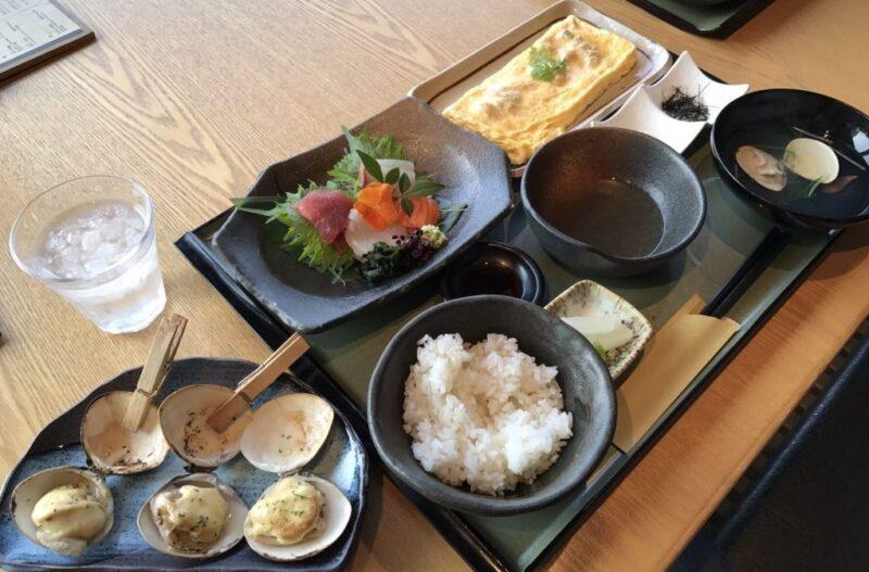 大阪梅田ハマグリ専門店『はまぐり庵』焼き蛤と貝の出汁巻玉子定食ランチ!