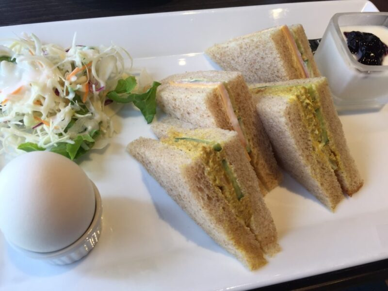 岡山楢津カフェ『マコアコーヒー』優雅なハムサンドイッチ朝食モーニング!