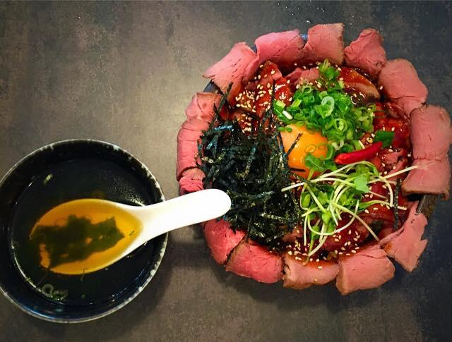 倉敷駅前『焼肉レストラン十庵』カルビとハラミランチとローストビーフ丼!