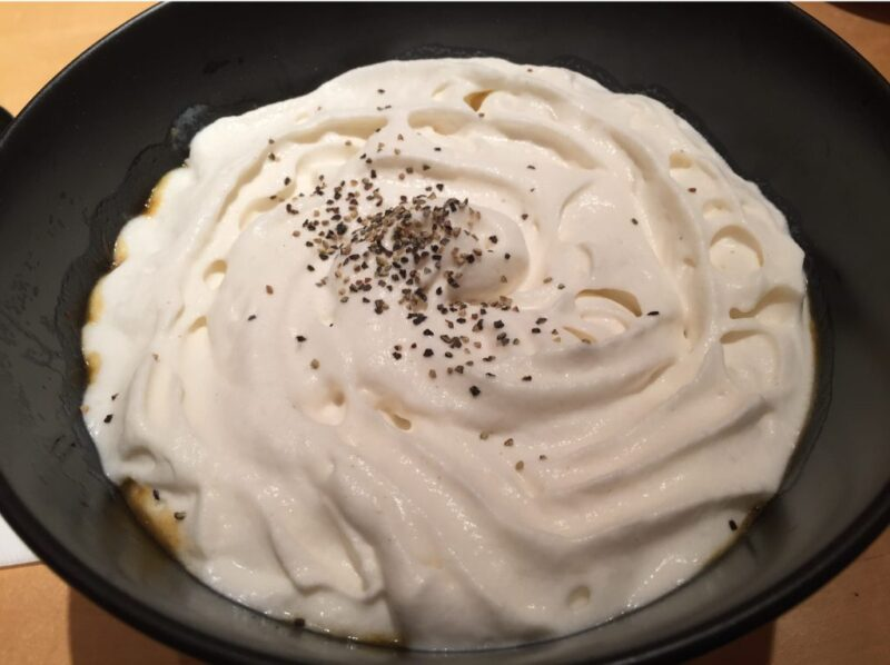 東京恵比寿『蕎麦初代』お洒落そば屋でふわふわムースの白いカレーうどん!