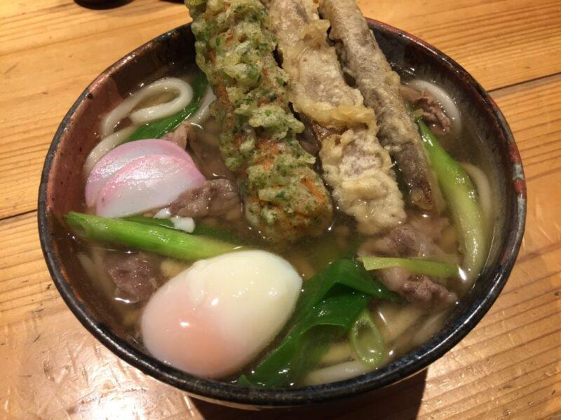 岡山富田町『讃岐の男うどん本店』名店表町たぬき仕込みの男の肉うどん!