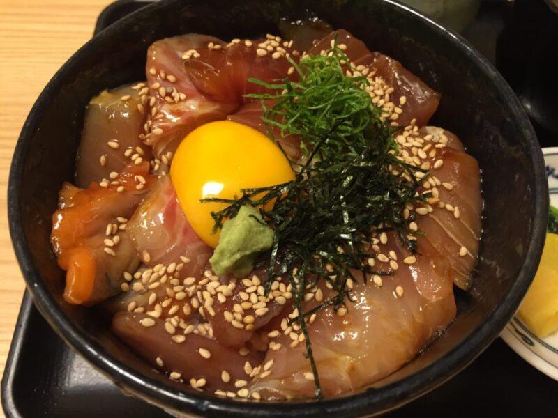 香川丸亀『居酒屋遊食房屋』漁師の海鮮丼と牛飯オムライス個室ディナー!