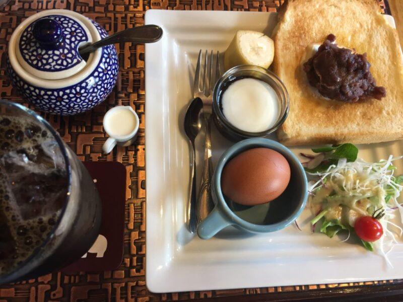 岡山藤原西町『しろくまカフェ』モーニングの本場名古屋式小倉トースト朝食!