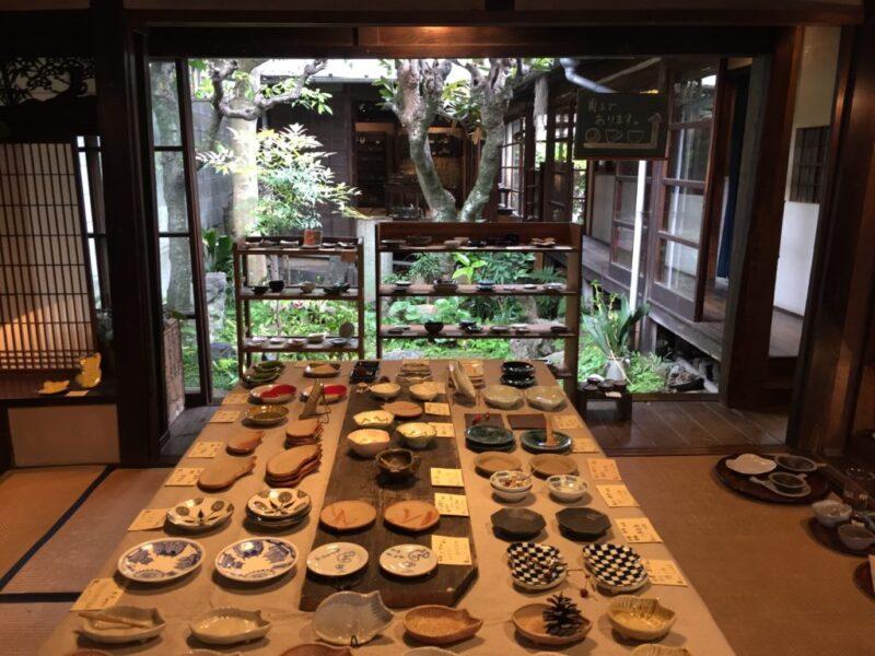 岡山出石町『アートスペース油亀』豆皿だけのうつわ展に行ってきた!