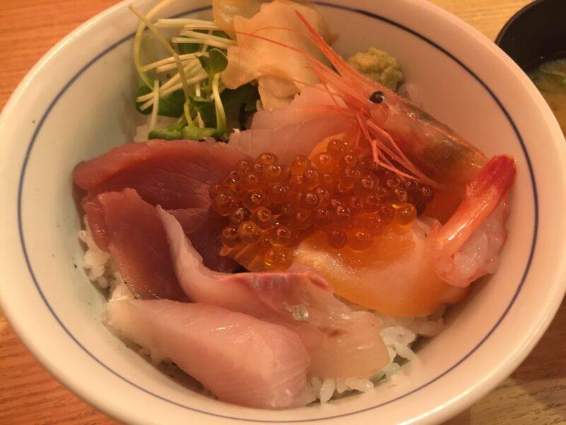 岡山駅前『横濱魚萬&目利きの銀次』居酒屋のお得な定食ランチと海鮮丼!