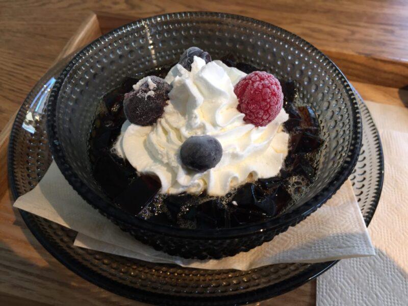 香川高松カフェ『ペンギン珈琲』無料のシフォンケーキとコーヒーゼリー!