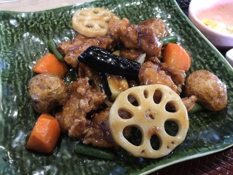 倉敷四十瀬『大戸屋ごはん処』人気1位の鶏と野菜の黒酢あん定食と五穀米!
