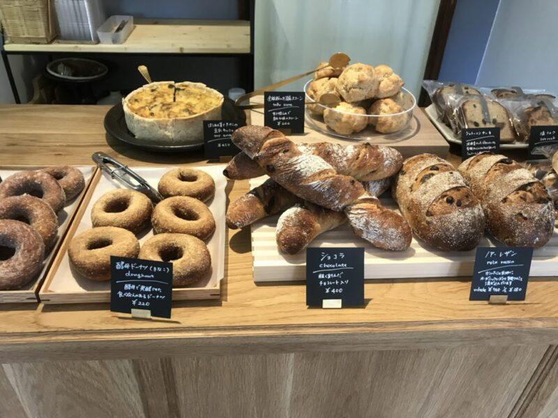 岡山玉野『ブレッド&ドーナツHOHO(歩歩)』フランスパンとフルーツサンド!