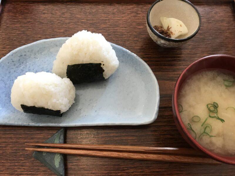 倉敷酒津カフェ『こてん』おにぎりとみそ汁の朝食モーニングとケーキ!
