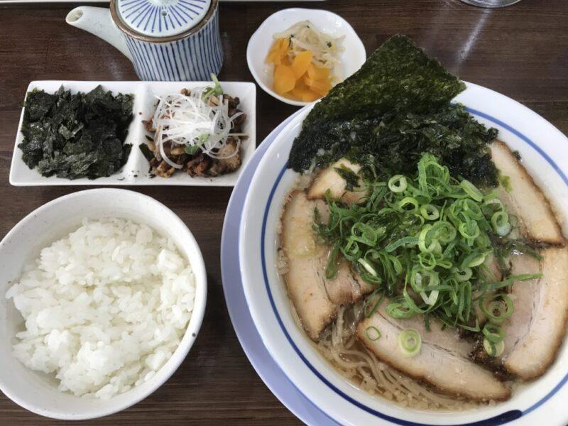 倉敷水江ラーメン屋『麺や寛(ひろ)』背脂煮干し醤油肉そばとチャーシュー丼!