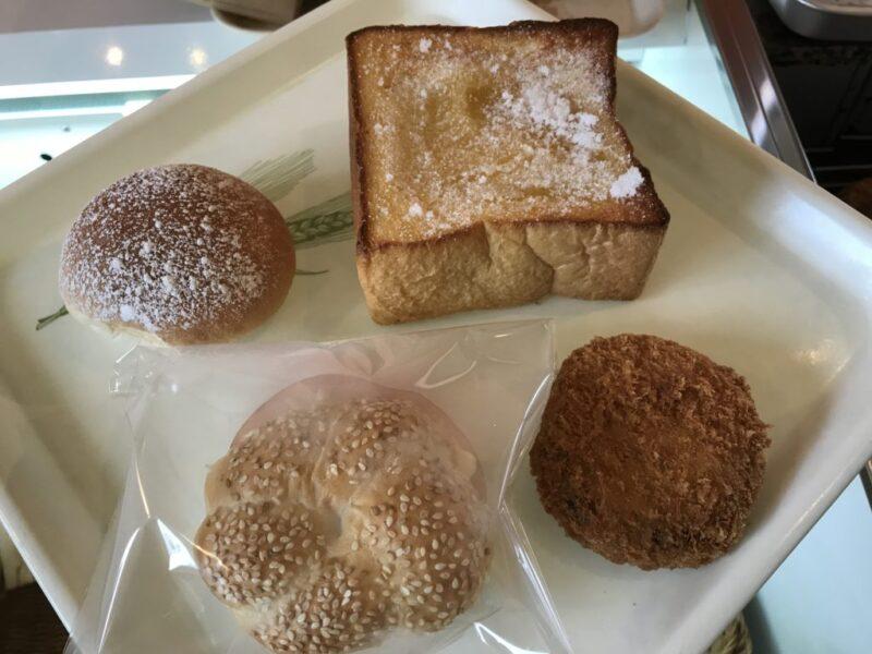 香川まんのう町『ジュンジュ(junju)』クリームパンとチーズメンチカツ!