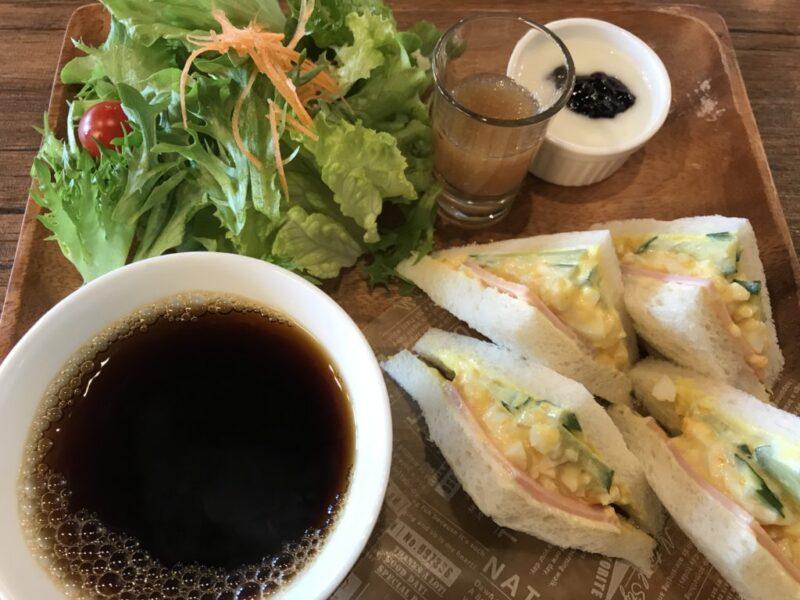 岡山赤田『カウベルカフェ』スムージーとミックスサンド朝食モーニング!