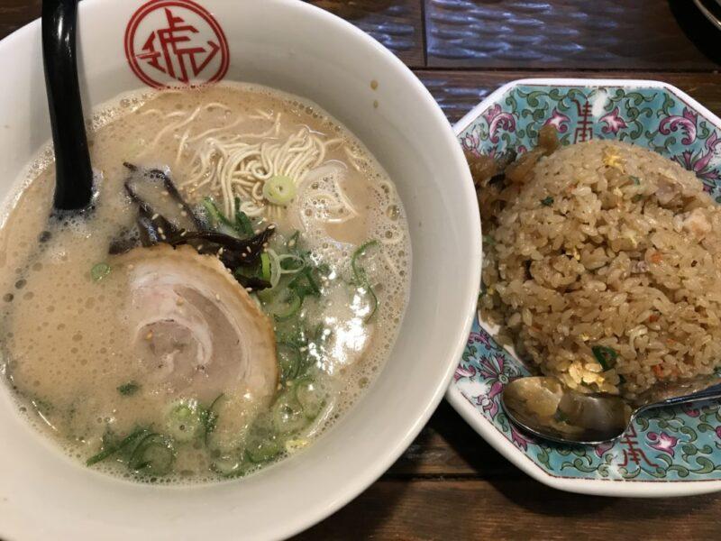 岡山高屋『博多ラーメン琥家(こや)』アカシロラーメンとチャーハンランチ!