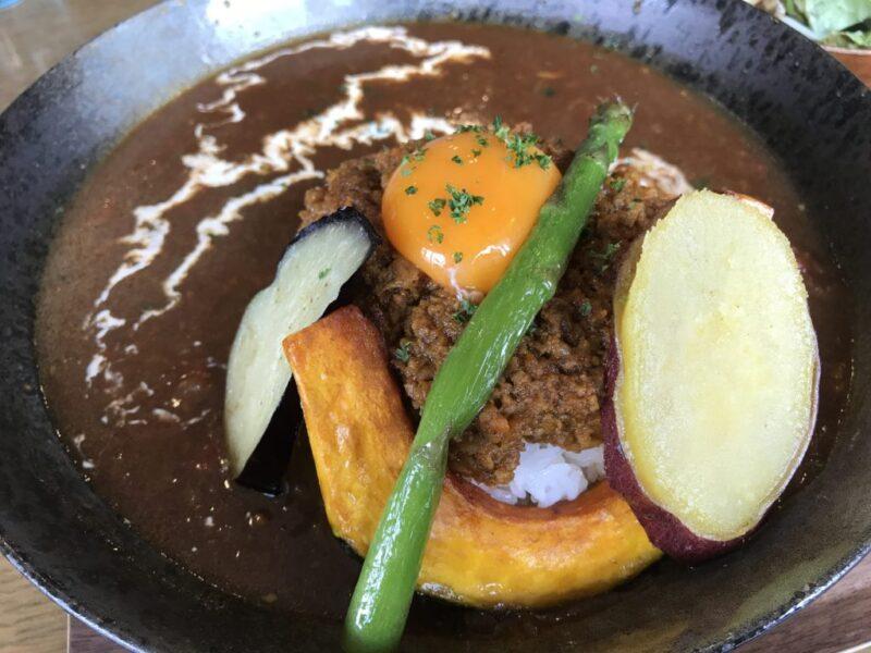 倉敷中央『カフェくらしき芸文館』スパイス香る香味野菜キーマカレー!
