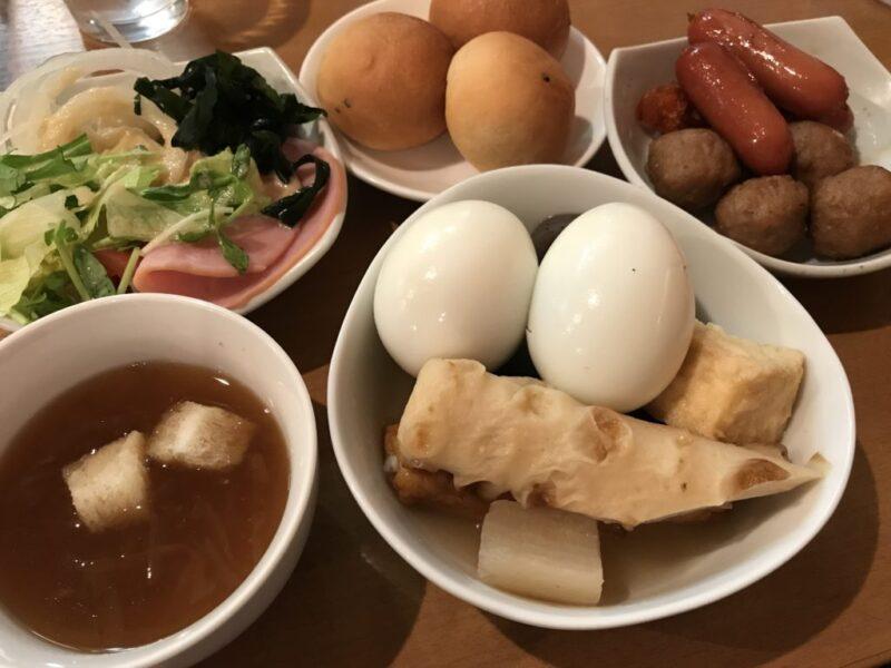 岡山駅地下『ニコニコキッチンさんさん』サラダバーとおかず食べ放題ランチ!