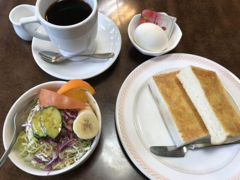 倉敷警察署前『喫茶フェニックス』モーニングのジャムトーストに耳がない!