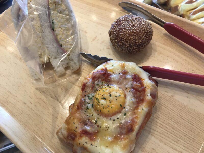 香川坂出パン屋『トラパーニ』あふれ出しそうなパンパンの玉子サンド!