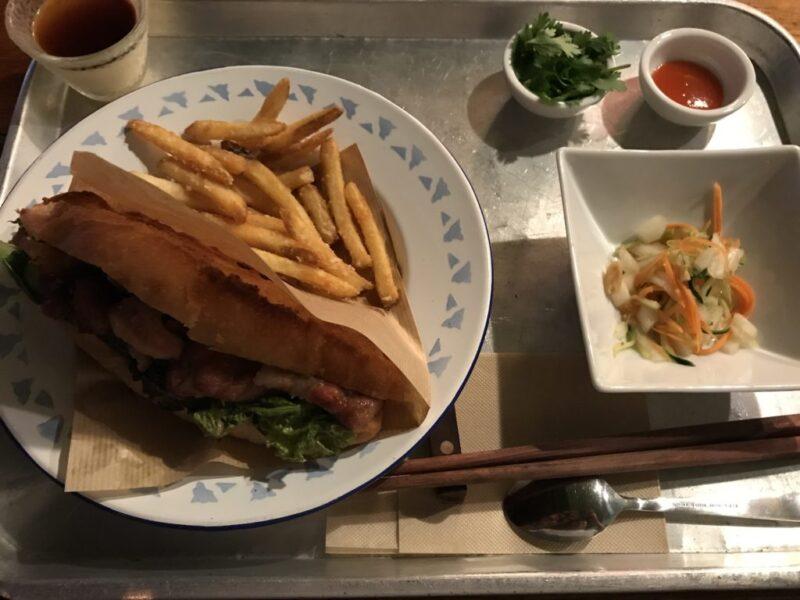 香川高松ベトナム料理『ホアンキエムカフェ』バインミーとグリーンカレー!