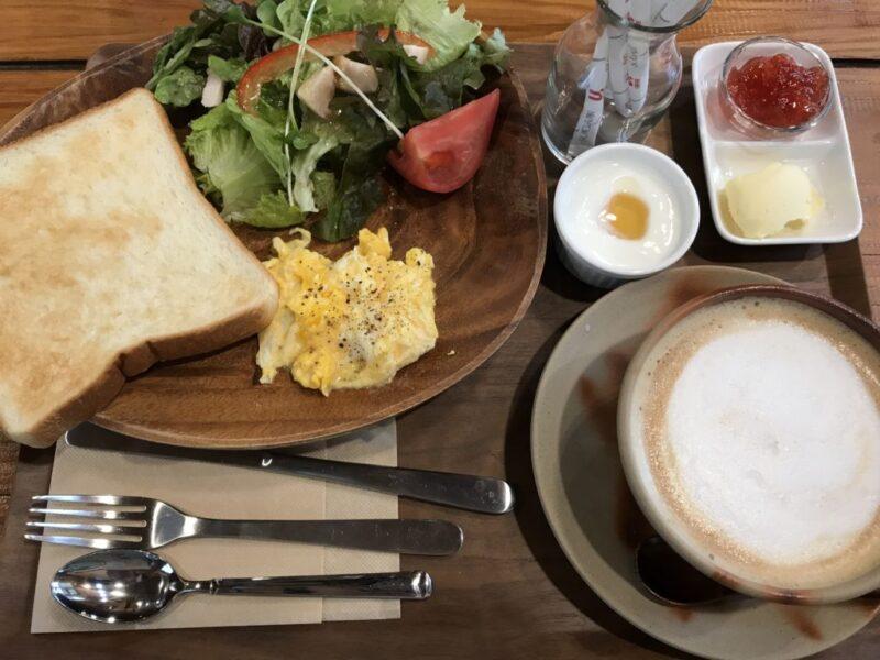 岡山兼基『カフェウッドサイド』朝食モーニングはそうめんかトースト!